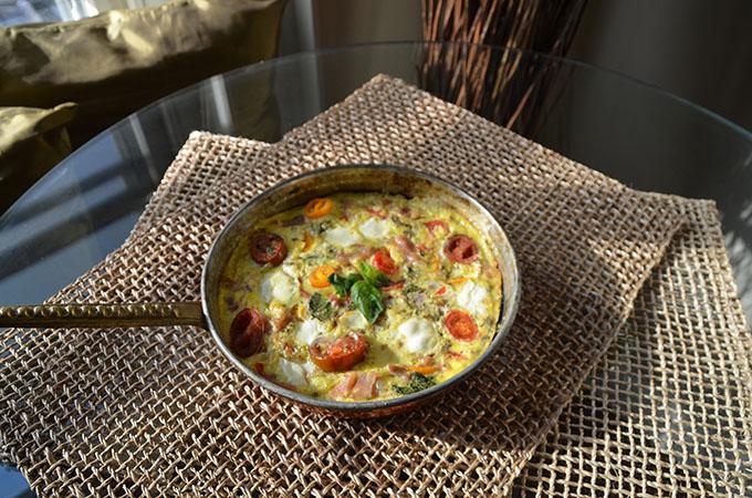 Heirloom Tomato, Basil, Mozzarella + Prosciutto Frittata | StyleChile-32