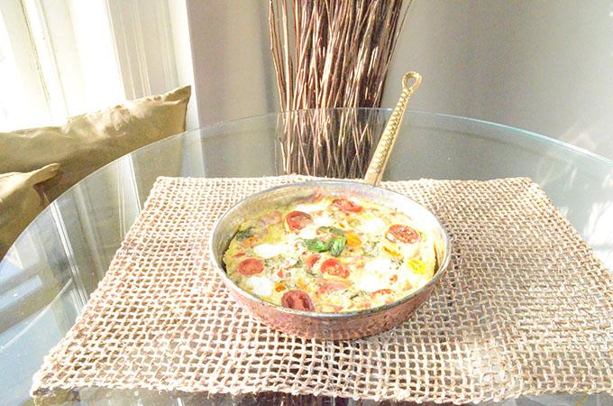 Heirloom Tomato, Basil, Mozzarella + Prosciutto Frittata | StyleChile-51