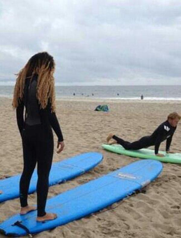 Alicia Surfs | StyleChile