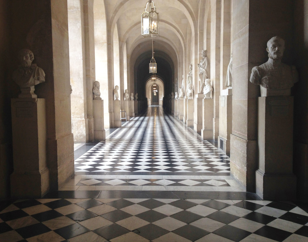 Versailles | Hall with Busts | StyleChile