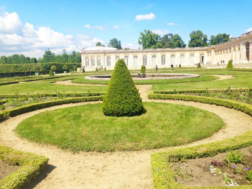 Versailles | Grand Trianon Gardens | StyleChile
